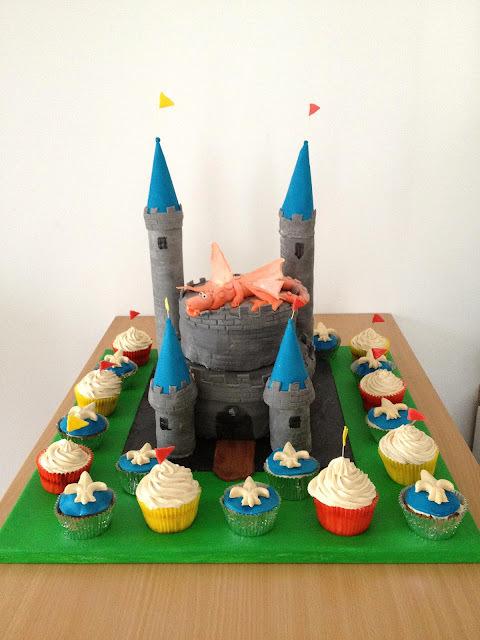 Gâteau et cupcakes Château fort