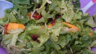 Salada de Alface e Rúcula com Molho de Mostarda com Canela