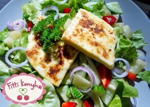 Friss házi sajt zöldsalátával recept