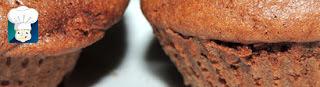 Mini bolo de cacau com leite de coco caseiro.