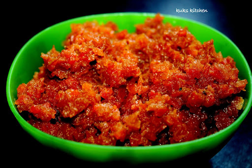 Carrot halwa  |  Gajar-ka-halwa : using pressure cooker, hob or microwave oven  |  Kukskitchen