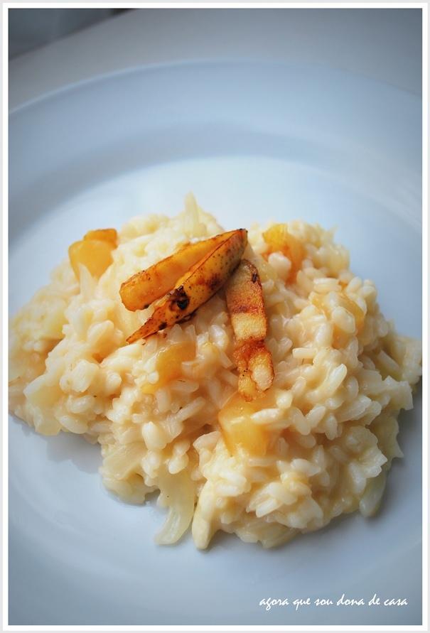 um risoto (ainda mais!) fino: risoto de pêra caramelizada com brie