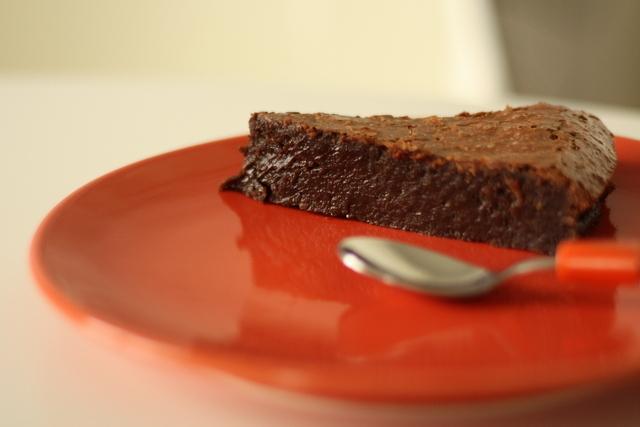 Mokra čokoladna torta