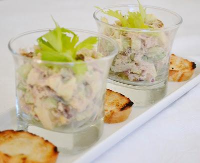 Tuniakovy salat s kari korenim - vysoko navykovy:)