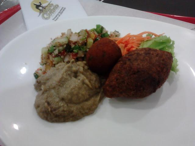مأكولات عربية: O significado? Você encontra indo ao Chef do Oriente
