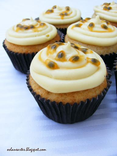 Cupcakes com Recheio e Cobertura de Maracujá