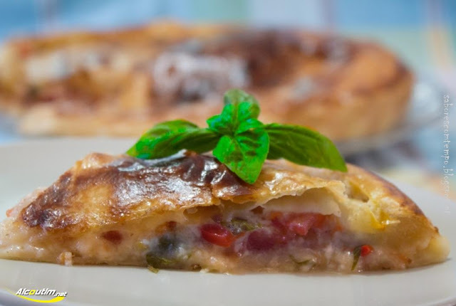 Tarte folhada de tomate, mozarela e presunto | Empanada con tomate, mozzarella y jamón