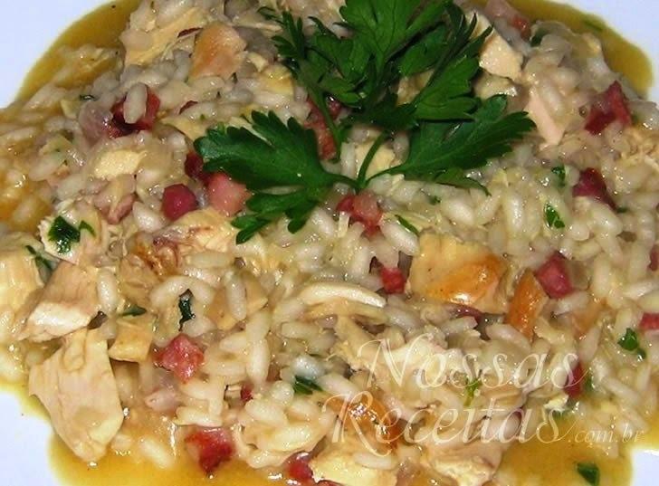 Risoto de frango com chouriço