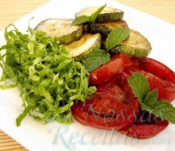 Salada de Abobrinha e Tomates Gratinados