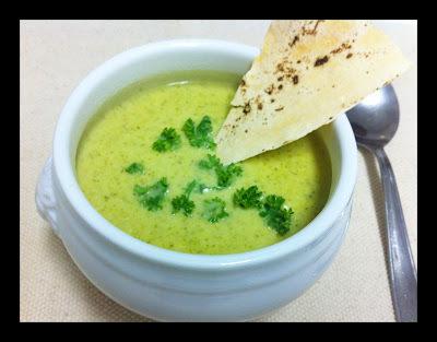 Sopa Creme de Brocolis e Pão Folha!!!