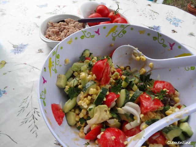 Salade de maïs, avocats et tomates