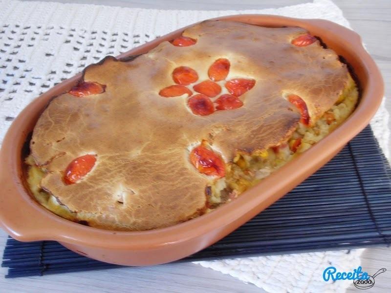 Torta salgada Oderich com recheio atum sólido Gomes da Costa