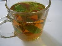 Chá gelado de gengibre, limão e canela