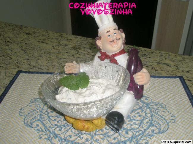 Tzatziki (molho a  base de iogurte grego)