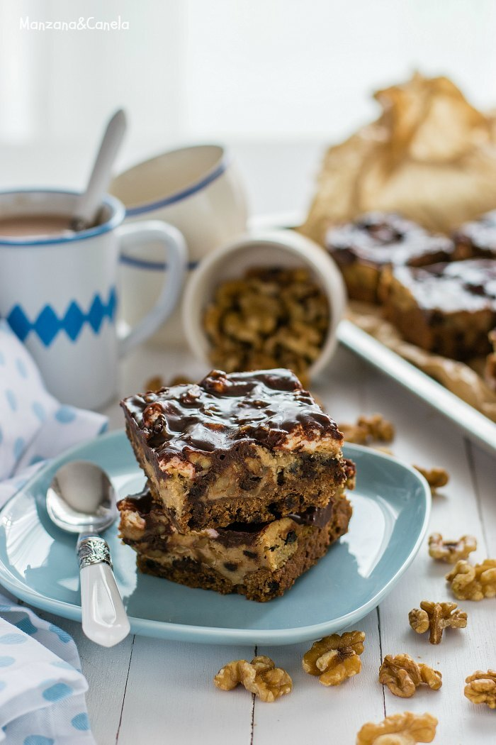 Barras de chocolate con cookies, nueces y nubes