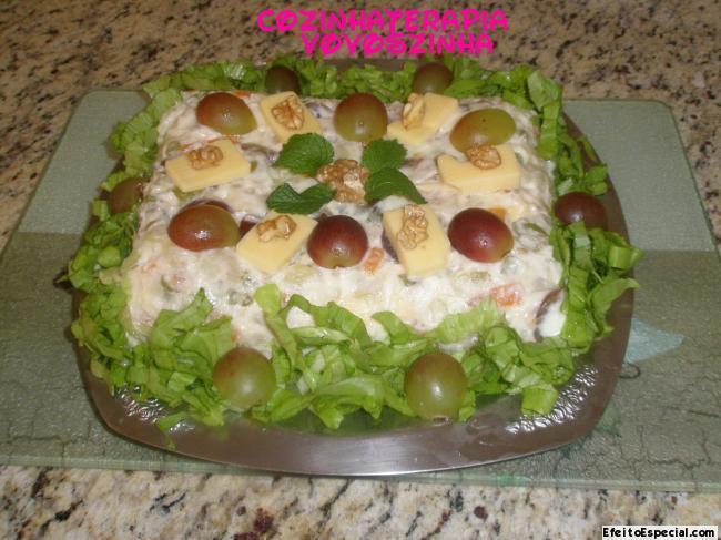 Salada de uvas e queijo