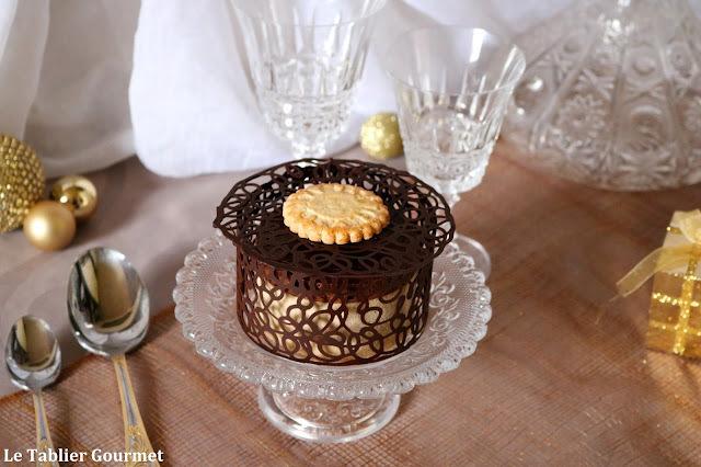 """Un dessert de fêtes avec cet entremets """"parfums d'enfance"""" pour la Mère Poulard (chocolat, café et noisettes)"""