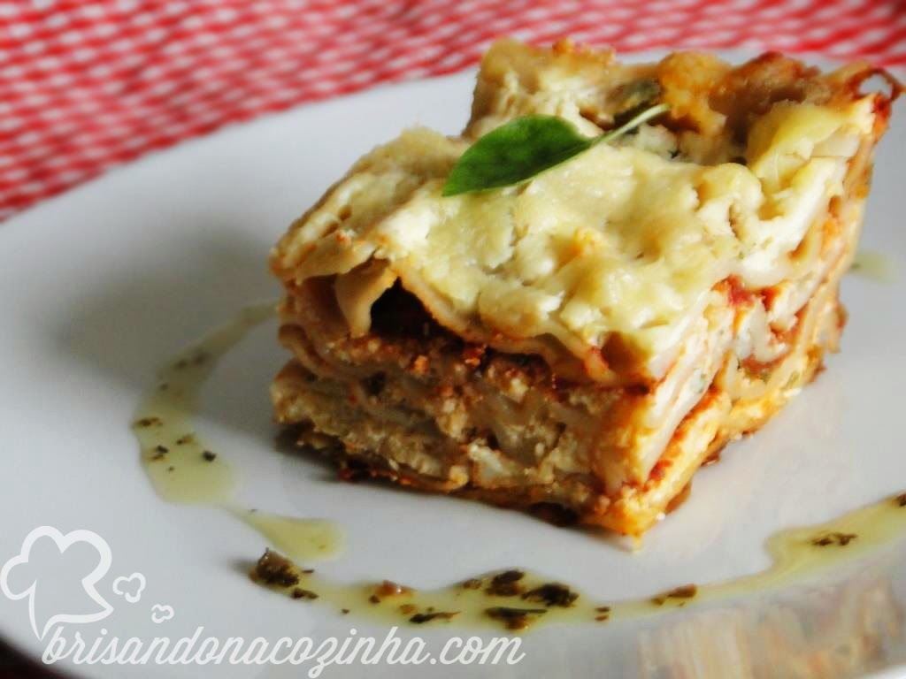 Lasanha de tomate seco, manjericão e creme de mussarela e ricota