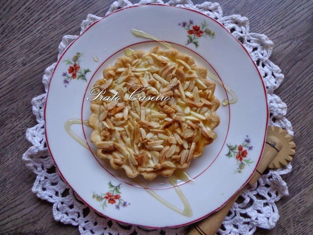 Tarteletes de amêndoa com doce de ovos sem açúcar e mel