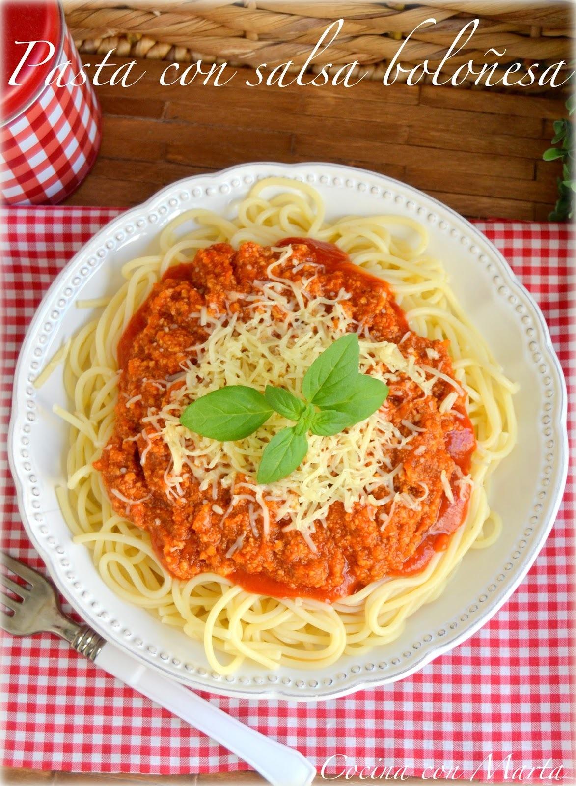 Pasta con salsa boloñesa, con y sin Thermomix