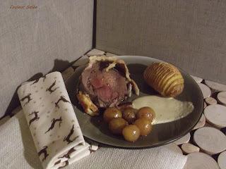 rôti de chevreuil en croûte sauce foie gras et ses pommes suédoises