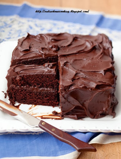 how to make chocolate cake at home without egg in hindi with icing