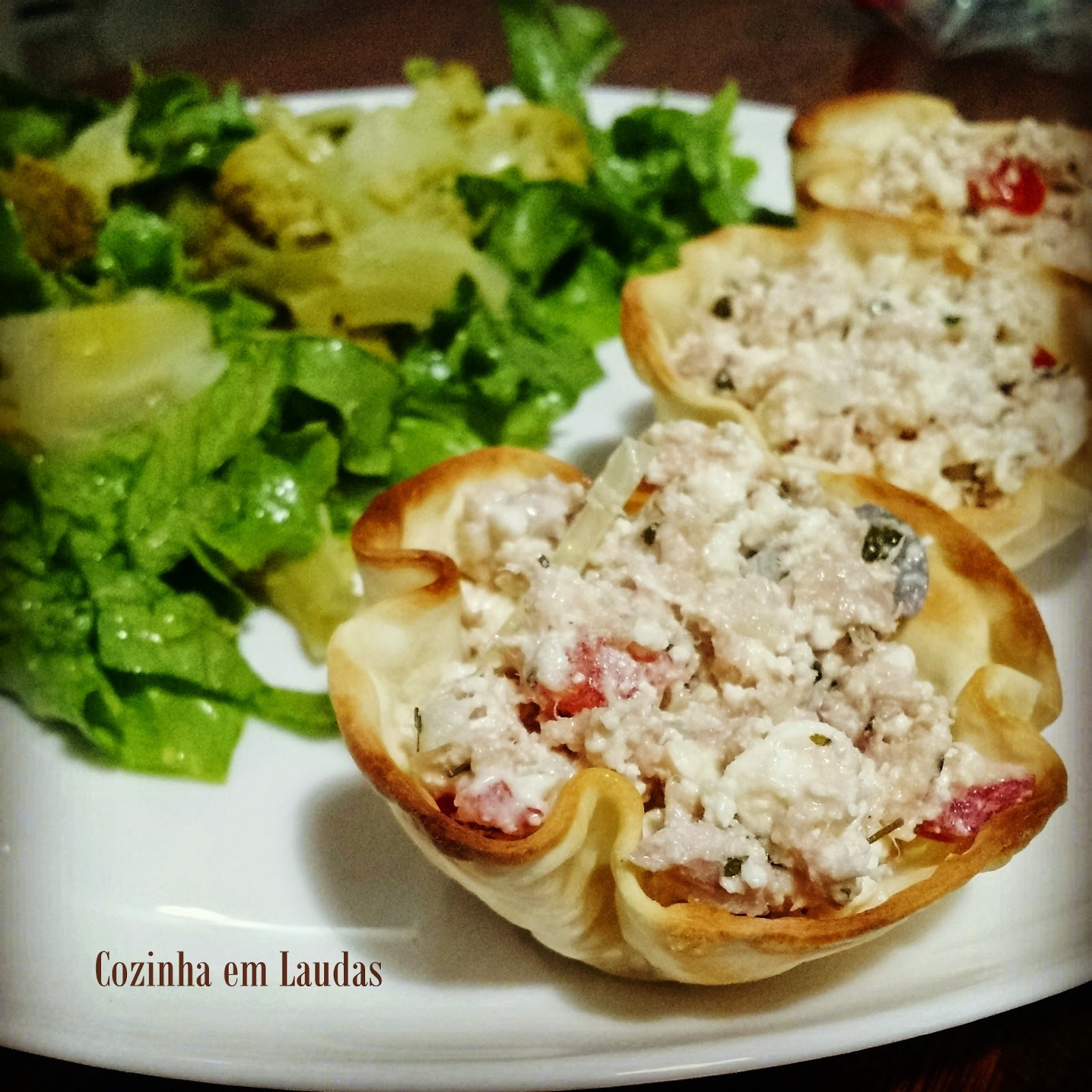 Cestinhas de atum e ricota [Tuna baskets and ricotta]