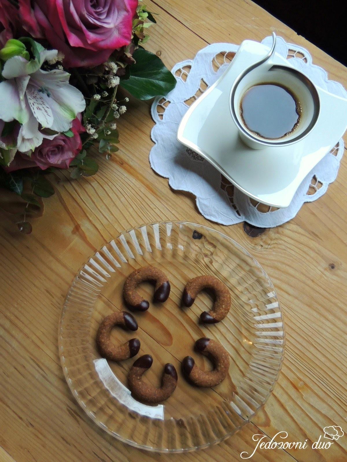 Vanil kiflice s rogačem