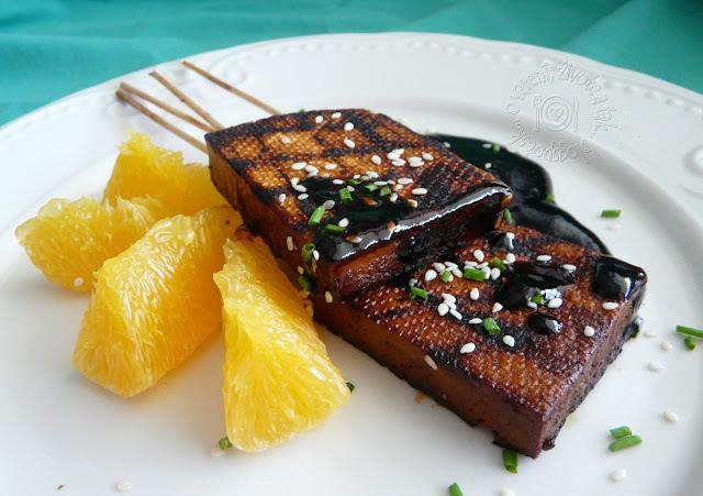 Grilované tofu s pomarančovým teriyaky