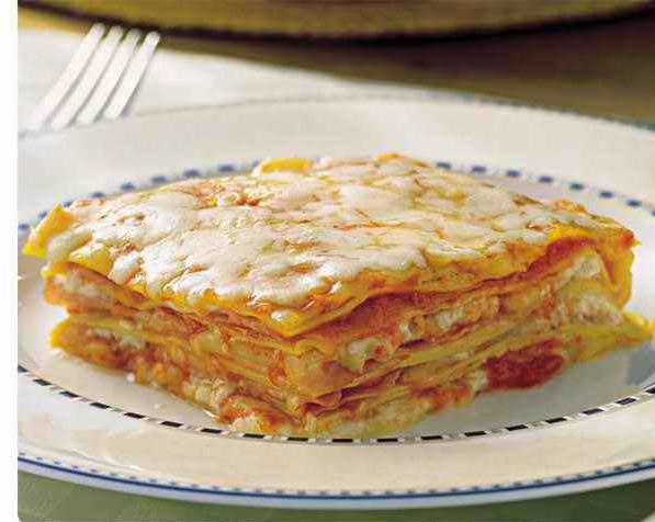 lasanha queijo presunto tomate pelado bacon