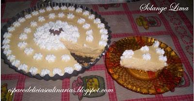 torta de bolacha de mousse de maracujá