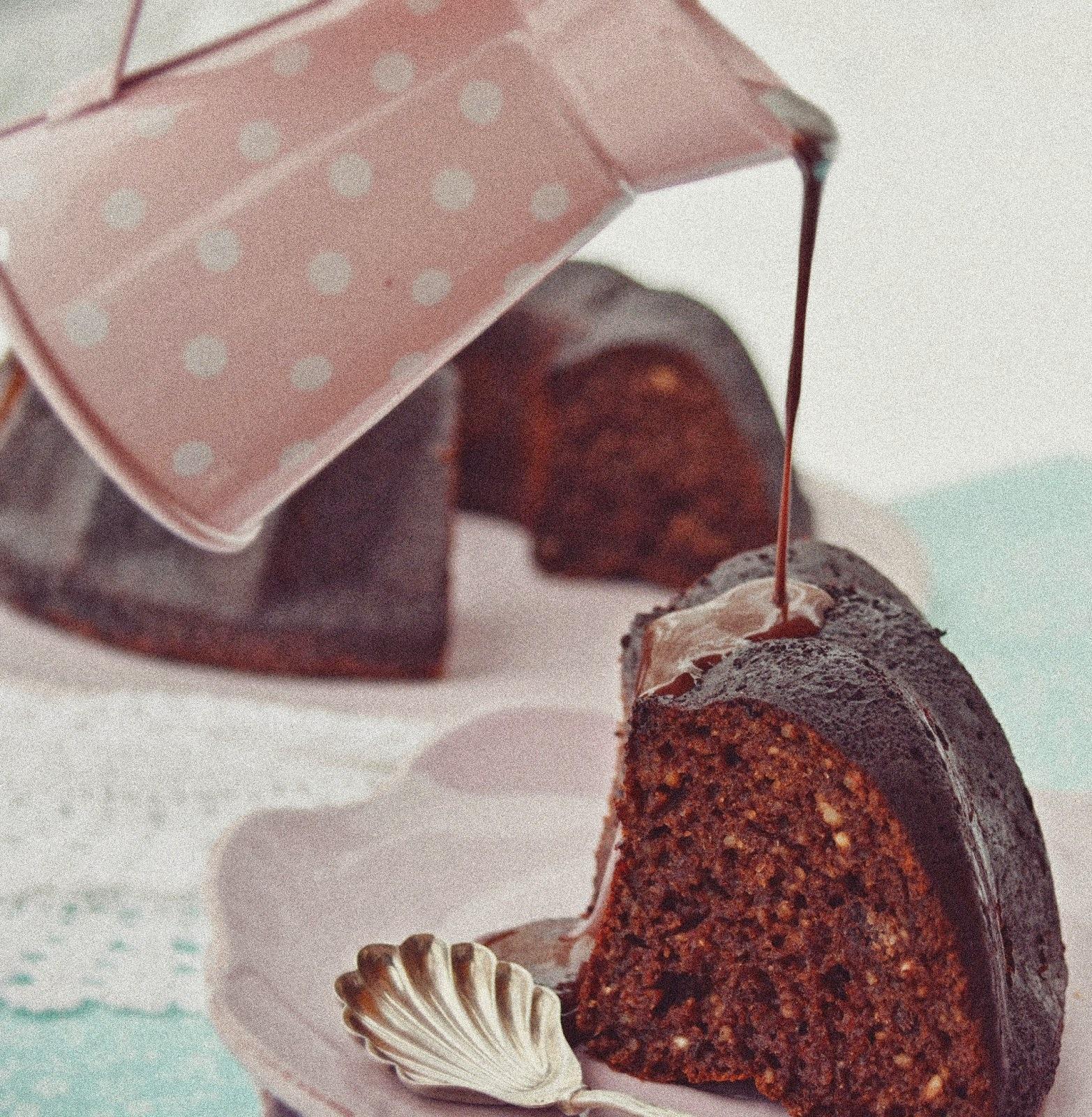Datolyás gyömbéres kuglóf csokiszósszal -paleo