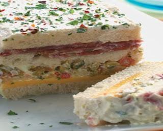Sanduiche de salame c/ cobertura