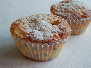 Apple and cinnamon cupcakes