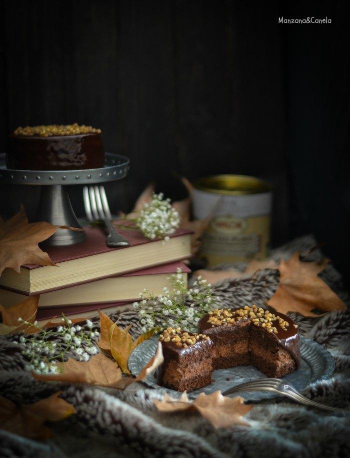 Mini tartas de doble chocolate con cobertura de chocolate al caramelo