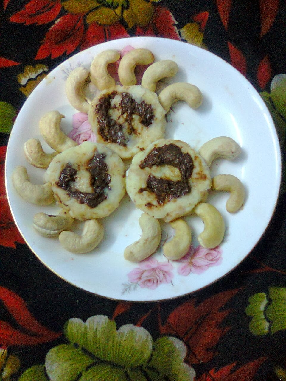 Chocolate stuffed Cashew Nuts Sweet / Chocolate Kaju Katli