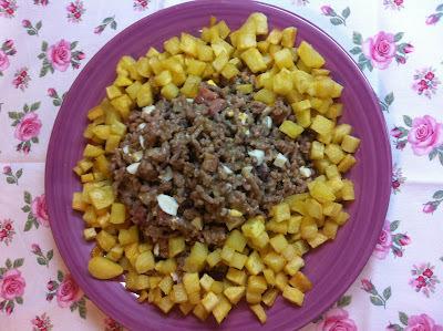 Picadillo De Carnes Con Patatitas En Dados