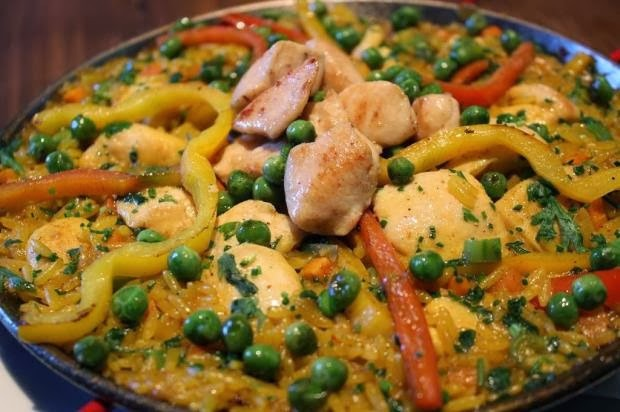 Paella de Frango com Legumes