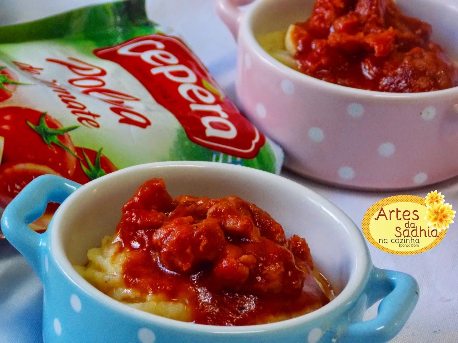 Polenta com  molho de linguiça ( polpa de tomate  Cepêra )