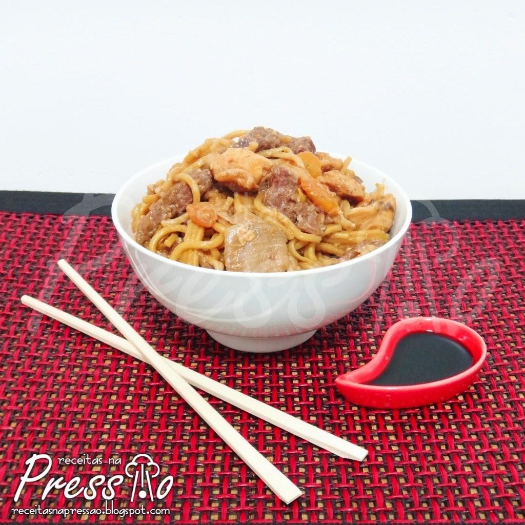 arroz com peito de frango na panela de arroz eletrica