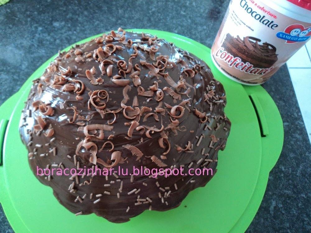 Bolo de chocolate simples com cobertura Xamego Bom