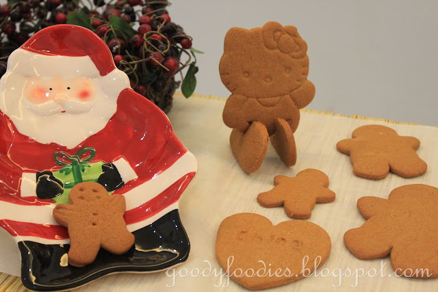 Recipe: Gingerbread Man + Hello Kitty Biscuits