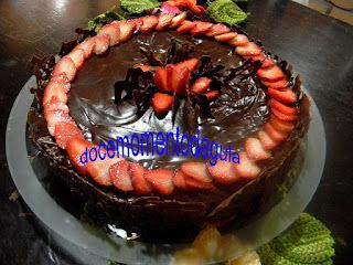 Cheese Cake de Chocolate com Morangos