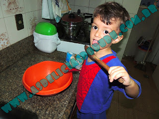 """""""Invasão"""" da minha cozinha..."""