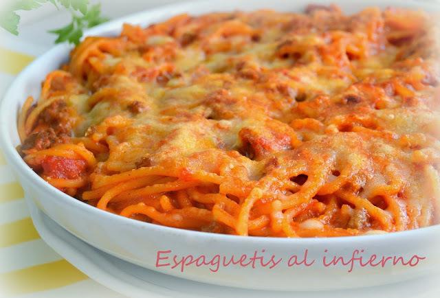 Espaguetis al infierno (con carne y chorizo)