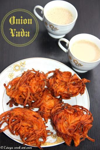 Onion Vada/ Ulli Vada/ Vengaya Vadai/ Onion Fritters