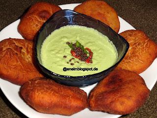 Mangalore Buns/Kele ki Poori