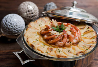 Gratinado de Natal com bacalhau, camarão e requeijão