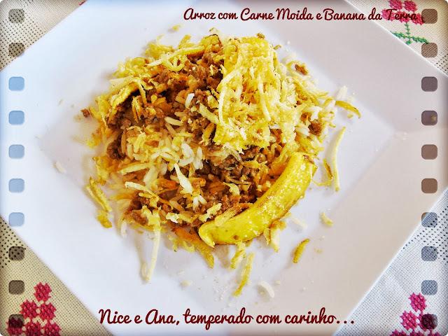 arroz com banana frita e carne moida