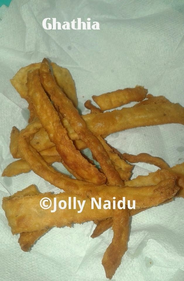 Jhatpat Evening Snack : Ghathia Recipe